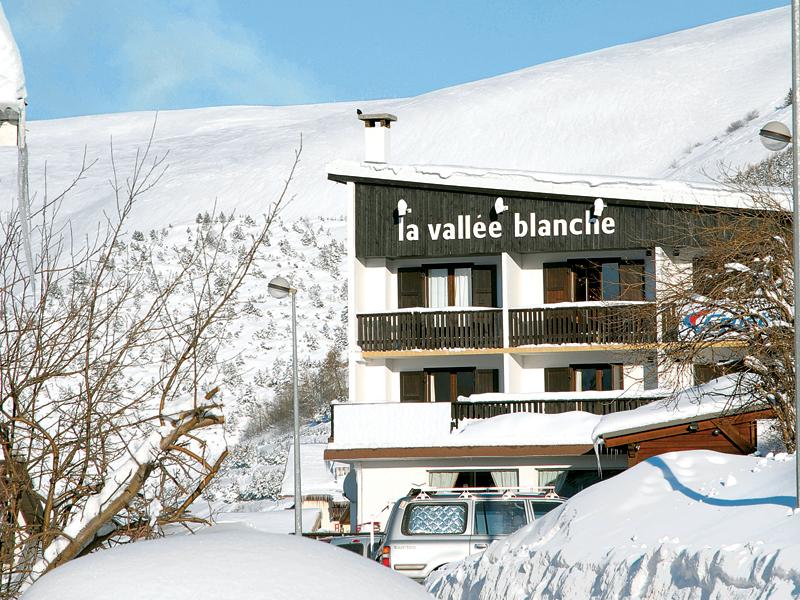 Vallee Blanche exterior
